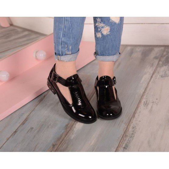 Ботинки лаковые