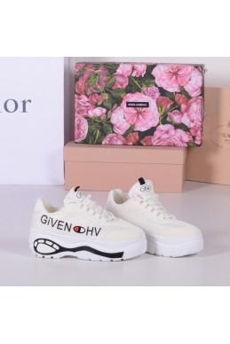Демисезонная Кроссовки Givenchy на толстой подошве 5 см,маломерят на размер, Loretta белый обувной текстиль 22803 польша