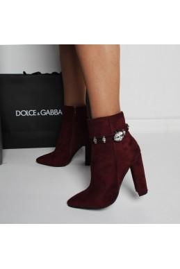 Элегантные ботинки на каблуке
