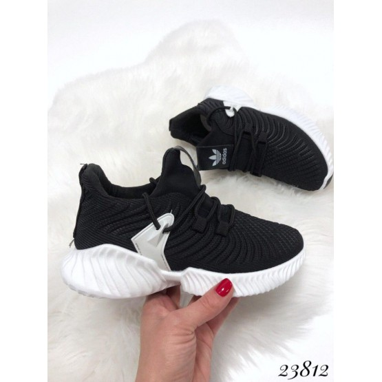 """Демисезонные Кроссовки Violeta """"Adidas""""; высота подошвы сзади-4,5см, спереди-1,5см; размерная сетка с 36 по 40: 36-22,5; 37-23,5; 38-24; 39-24,5; 40-25 см черный текстиль 23812 Китай 36(р)"""