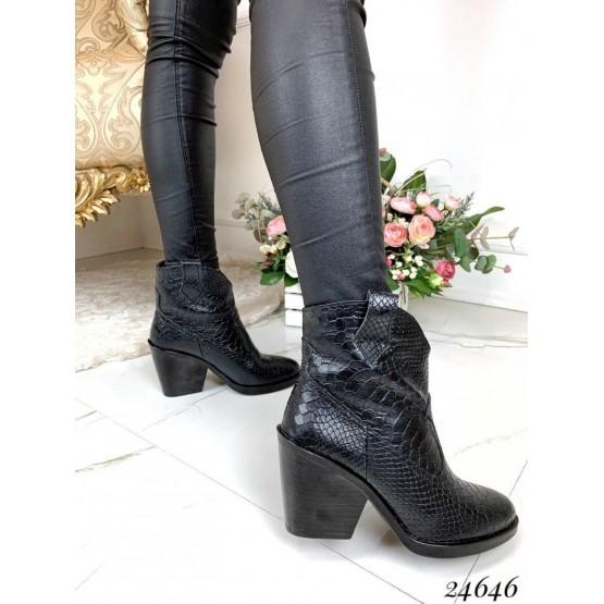 Ботинки казаки кожаные по питон