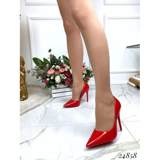 Туфли лодочки на шпильке