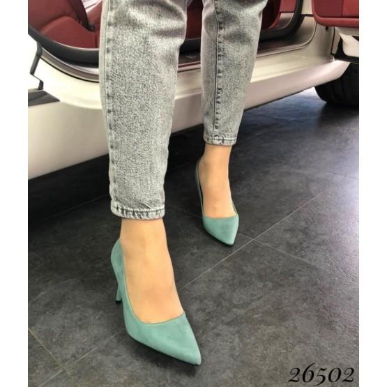 Классическите туфли на шпильке