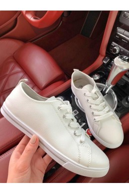 Белые кеды на шнурках