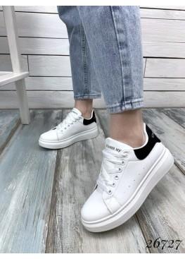 Кроссовки с черной пяткой в стиле Mcqueen