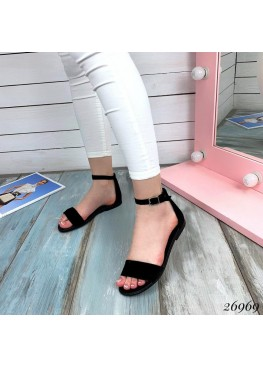 Замшевые сандалии закрытая пятка