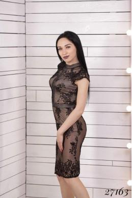Платье  футляр  гипюр  с  нанесением бархата