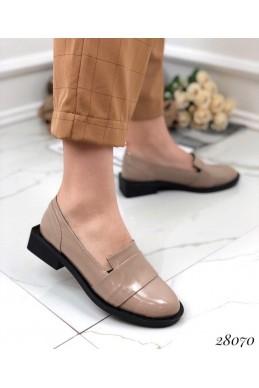 Туфли лакированные на низком каблуке TOTO