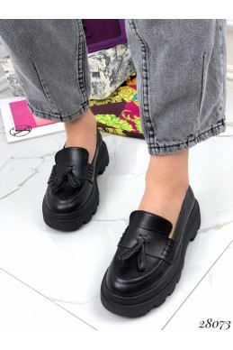 Туфли лоферы с кисточками Jasmine
