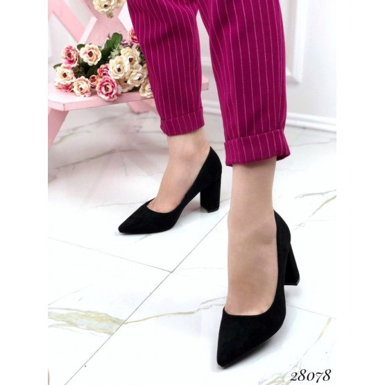 Туфли замшевые на устойчивом широком каблуке