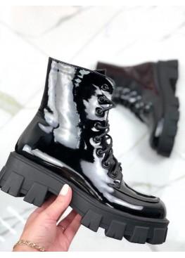 Ботинки лакированные на шнурках