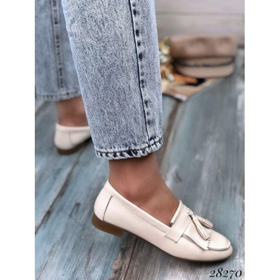Туфли лоферы с кисточками