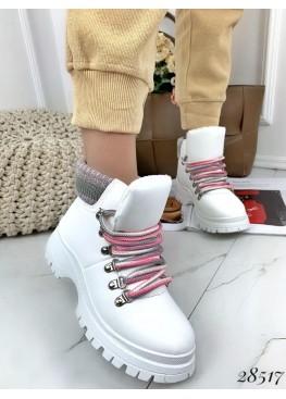 Ботинки с вязанной вставкой