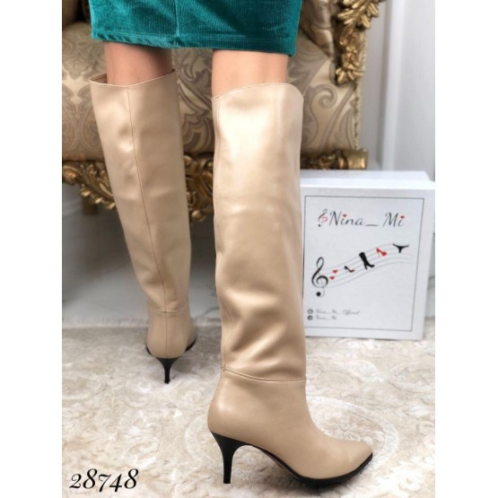 Демисезонные сапоги без молнии на небольшом каблуке NINA_MI