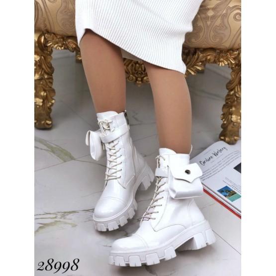 Ботинки демисезонные , на тракторной подошве со сьемным кармашком