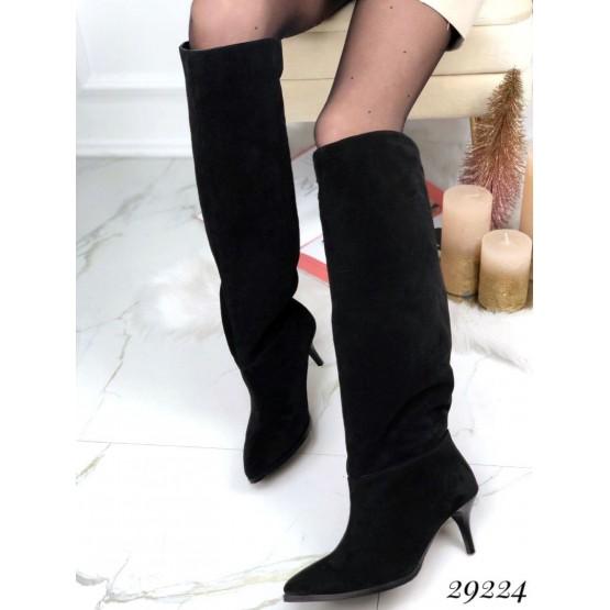 Зимние сапоги без молнии на небольшом каблуке