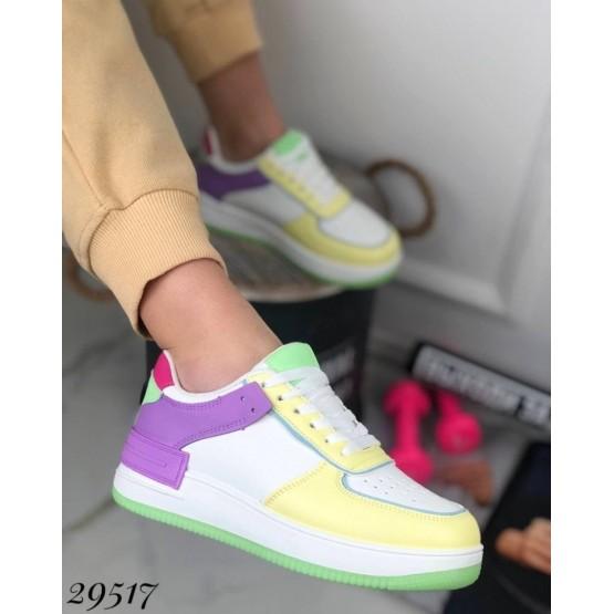 Кроссовки с цветными вставками