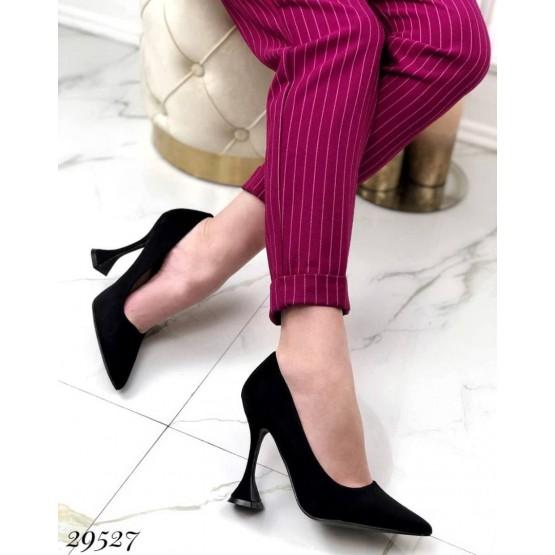 Туфли с узким носком