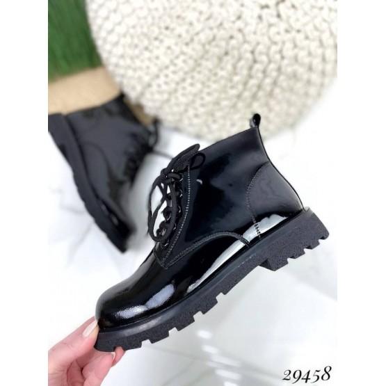 Ботинки на шнурках короткие