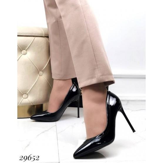 Туфли лодочки с декоративным зигзагом
