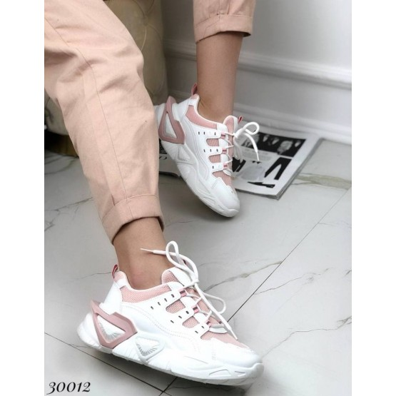 Кроссовки на фигурной подошве
