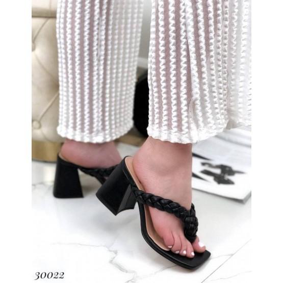 Шлепанцы на каблуке вьетнамки