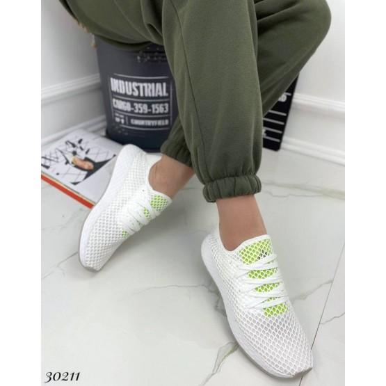 Кроссовки текстильные .
