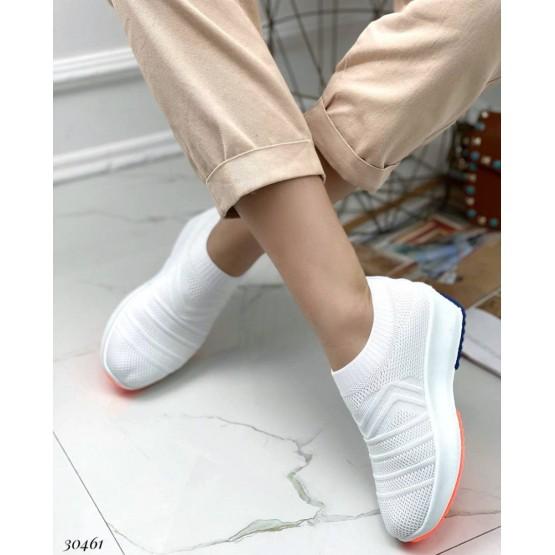 Кроссовки текстильные на широкой подошве