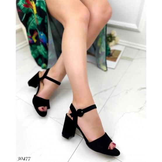 Босоножки на устойчивом каблуке