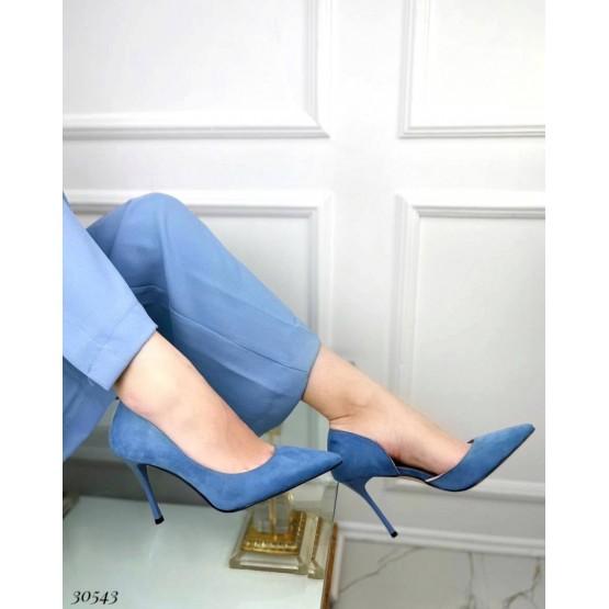 Туфли на шпильке с вырезом сбоку