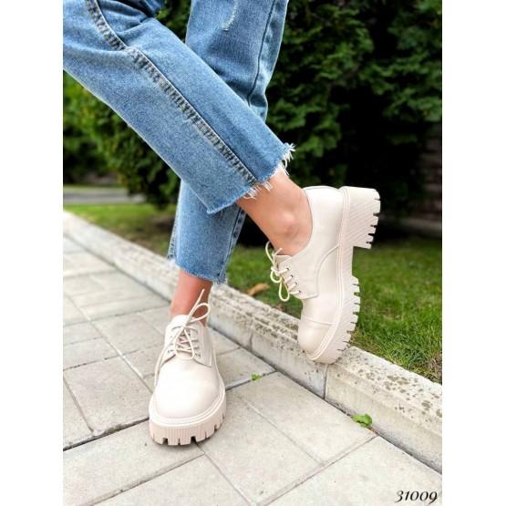 Туфли на шнурках