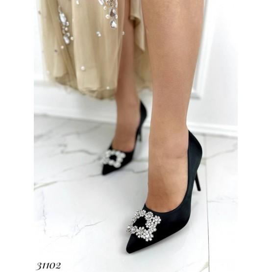 Туфли лодочки с украшением