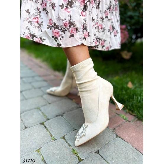 Ботильоны стрейчевые с украшнием на носке