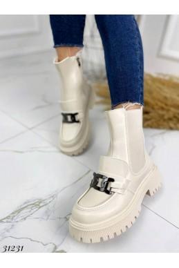 Ботинки c украшением