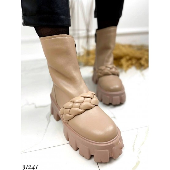 Ботинки с косичкой спереди