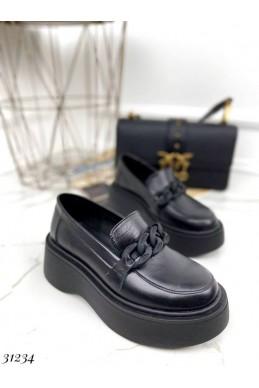 Туфли с матовой цепочкой