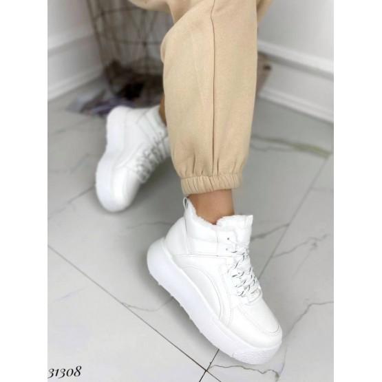 Кроссовки с мехом.
