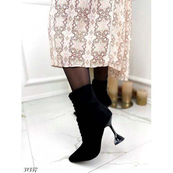 Ботильоны на шнуровке, каблук рюмочка